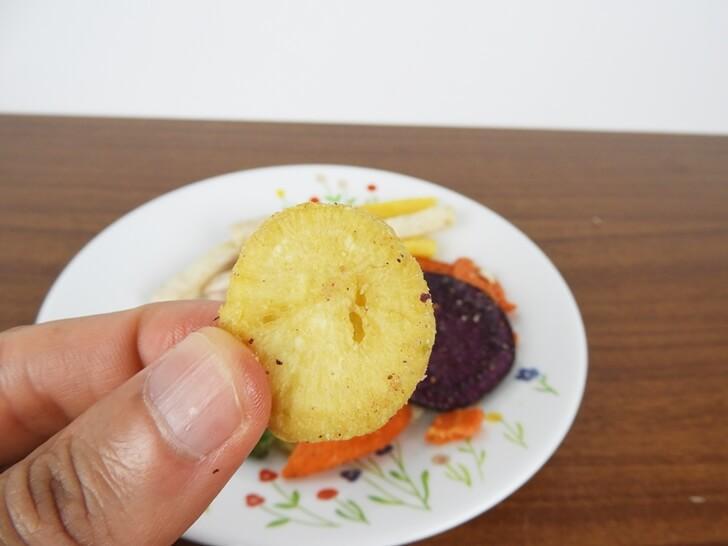 這是某種蔬菜的脆片