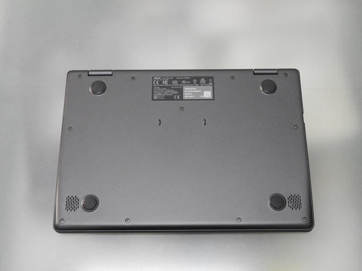 Chromebook C423NA 底部